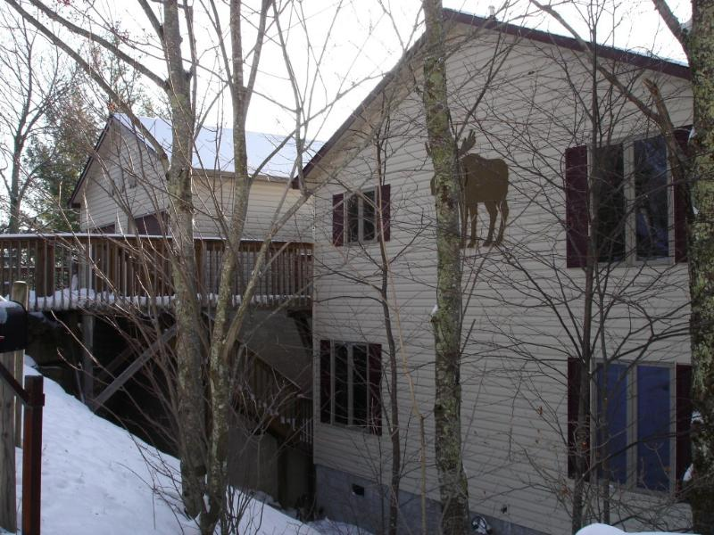 Front of Home with Garage and level entry parking, perfect family home - Moose Manor, Game Room, 2 Living Rooms, Wifi - Beech Mountain - rentals