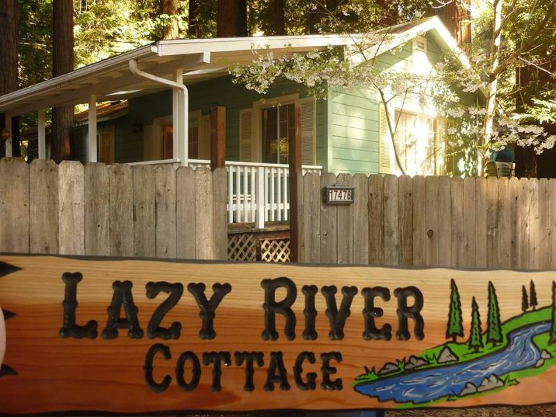 Relax in the Redwoods at Lazy River Cottage! - Image 1 - Guerneville - rentals