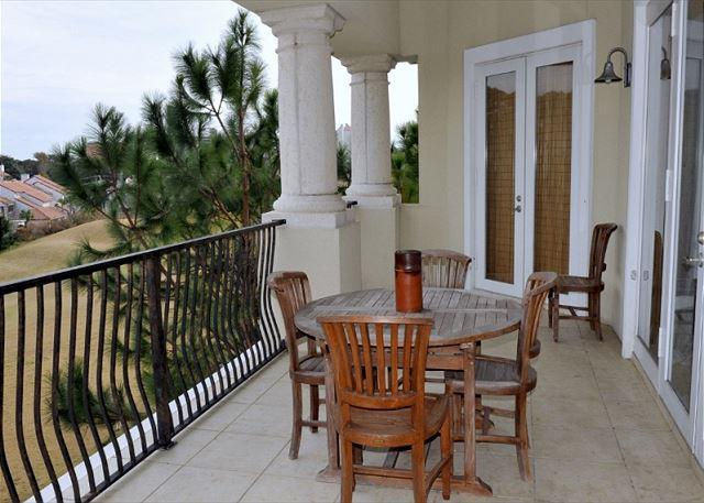 Top floor balcony over looking golf course - GUEST HAD TO CANCEL. SHOWING BOOKED BUT REALLY IS OPEN FOR LABOR DAY! - Sandestin - rentals