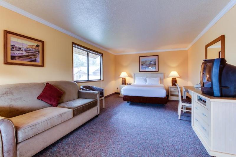Sunset Inn Suite 257 - Image 1 - Cannon Beach - rentals