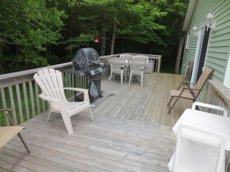 Large deck - Cavendish  Prince Erward Island - Cavendish - rentals