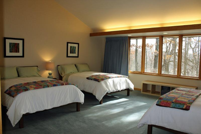 Spacious guest rooms can accommodate up to 3 adult guests, each in their own full sized bed. - Guest Rooms at Woodland Ridge Retreat - Downsville - rentals