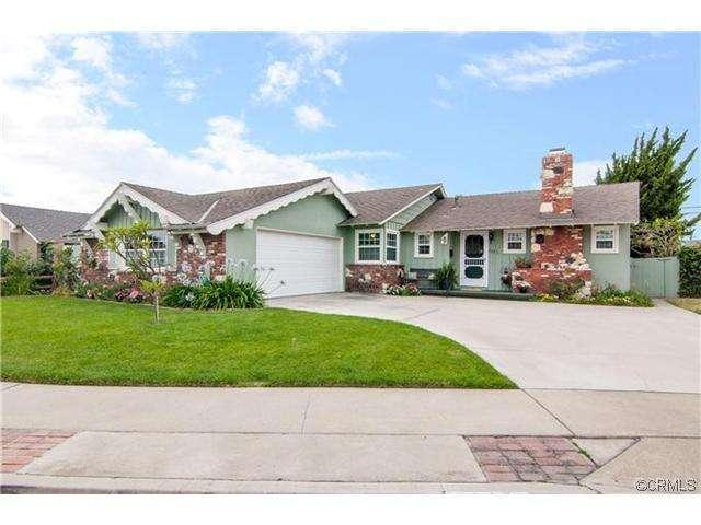 Very spacious 4 bed 3 bath with 1850 square feet living space on a huge 7800 sqare foot LOT! - NO CLEANING FEE! FREE DISNEY PARKING $1300 Week! - Anaheim - rentals