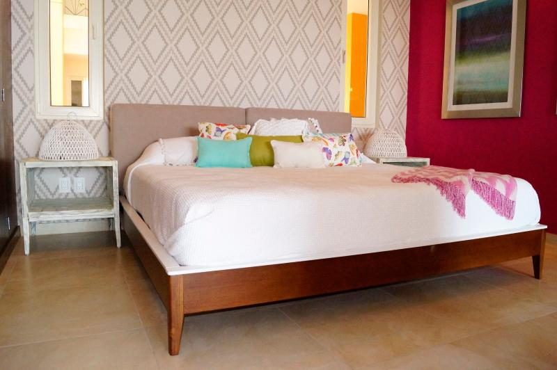 King Size Bed - Location Luxury Studio  Gay Romantic Zone - Puerto Vallarta - rentals