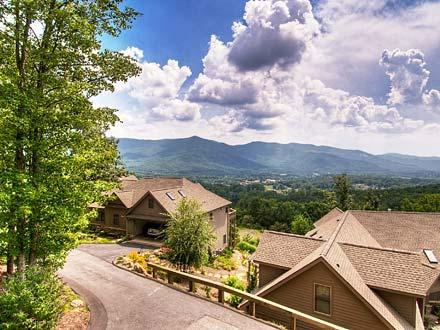Red Plum Town Home - Black Mountain Vacation Rentals - Image 1 - Black Mountain - rentals
