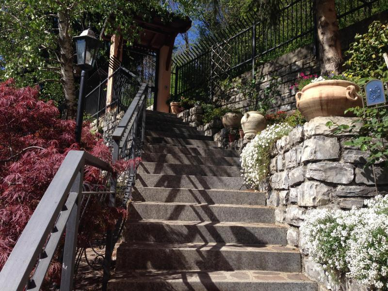 Villa Gisette Garden Entry - PRIVATE ROMANTIC - HONEYMOON HAVEN - VILLA GISETTE - Como - rentals