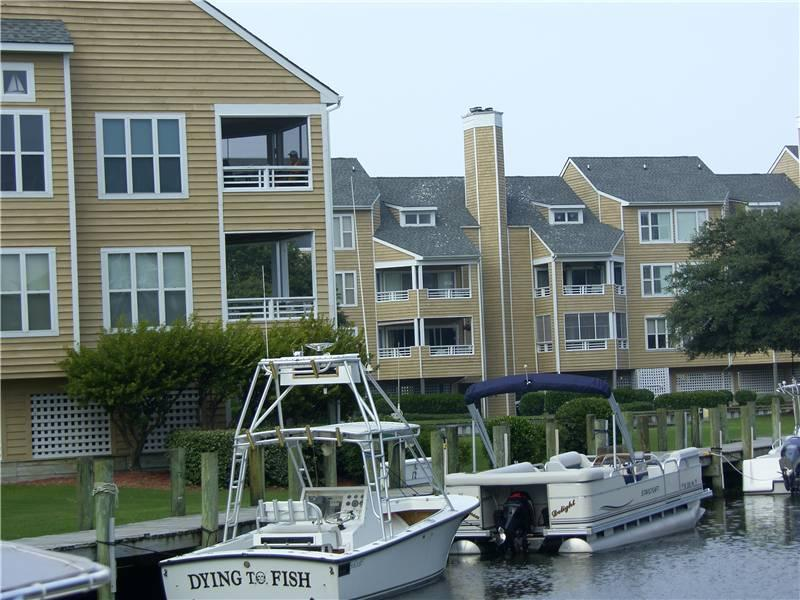 Dog-friendly 3BR w/ deck - Buccaneer Village #721 - Image 1 - Manteo - rentals