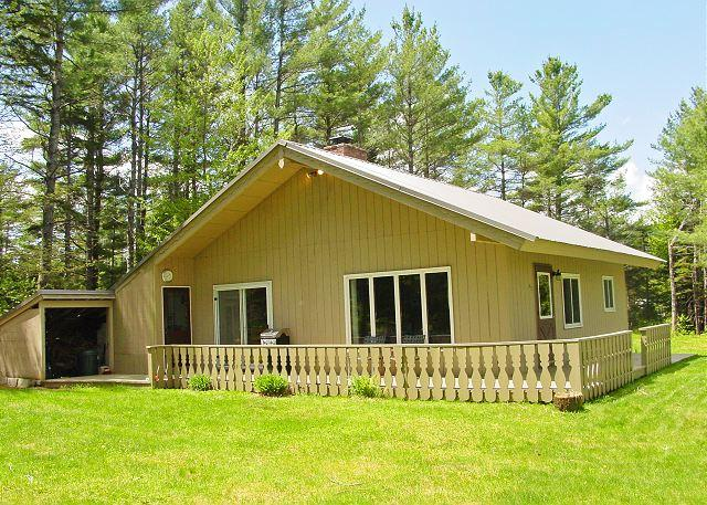 The Kinsman Chalet...A perfect basecamp for your Franconia Notch & White Mountain holiday. Call 800.247.5536 today! - The Kinsman Chalet - Franconia - rentals