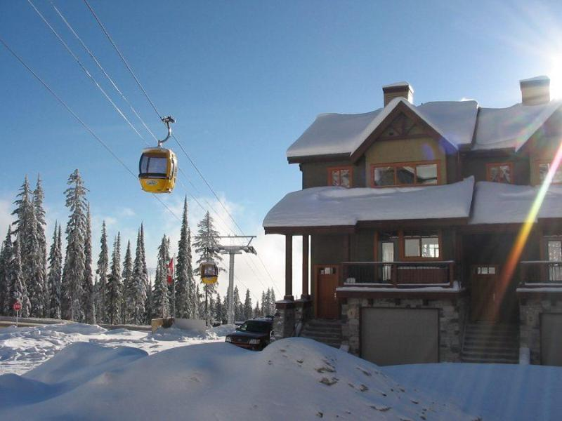 Blacksmith Lodge - Luxury ski-in ski-out lodge with outdoor hot tub - Big White - rentals