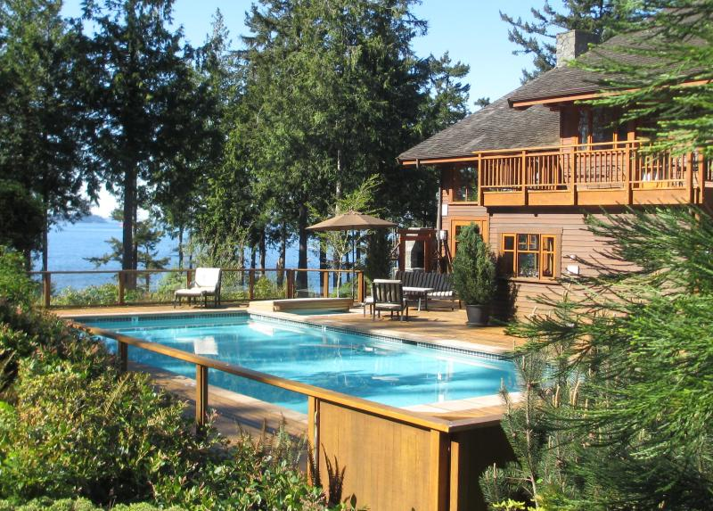 Exquisite Rental Residence . Large Heated POOL . HOT TUB - Point Williams Lodge . Oceanfront . Pool . Hot Tub - Bow - rentals
