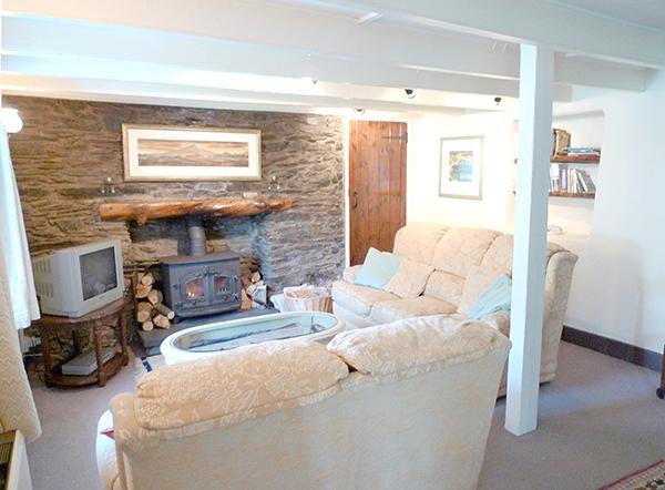Pet Friendly Holiday Cottage - Tri Pysgodyn, Abercastle - Image 1 - Pembrokeshire - rentals