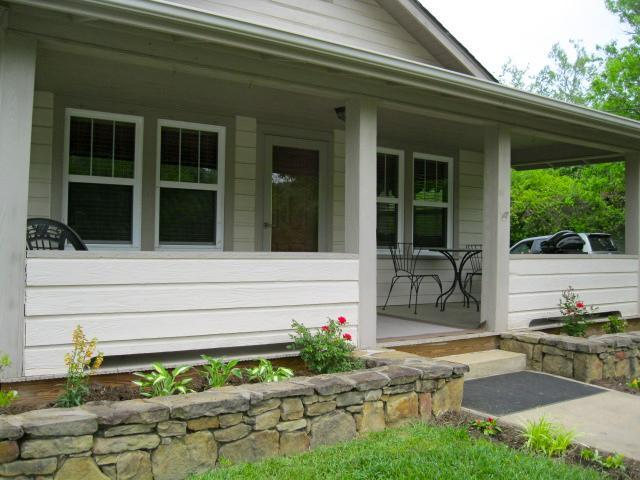 Thelma and Louise's Landing - Image 1 - Asheville - rentals