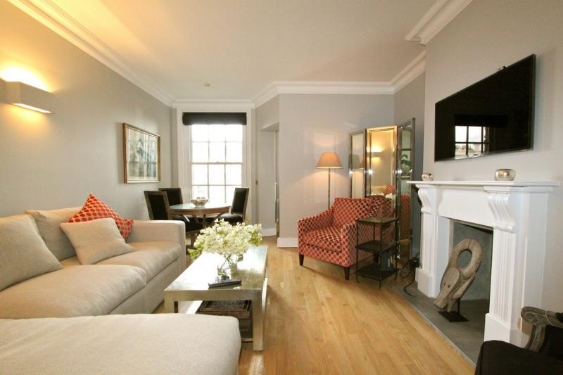 Queensgate,  (IVY LETTINGS). Fully managed, free wi-fi, discounts available. - Image 1 - London - rentals