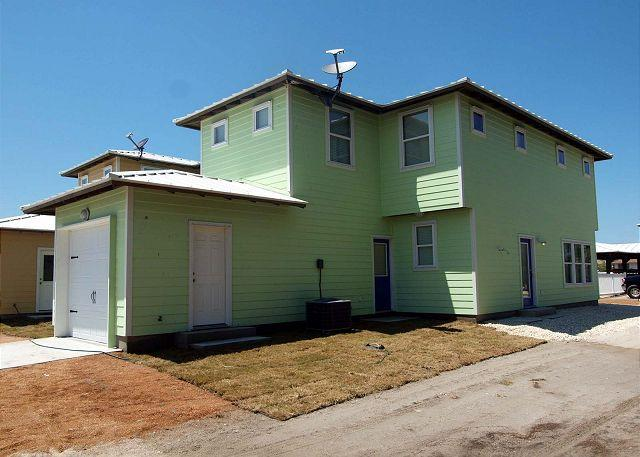 4 bedroom 2 1/2 bath home in the heart of Port Aransas! - Image 1 - Port Aransas - rentals