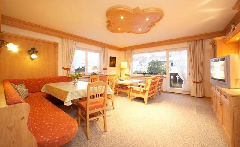 Vacation Home in Garmisch-Partenkirchen - 1399 sqft, Cross-country skiing slope DIRECTLY at the house,… #1564 - Vacation Home in Garmisch-Partenkirchen - 1399 sqft, Cross-country skiing slope DIRECTLY at the house,… - Garmisch-Partenkirchen - rentals