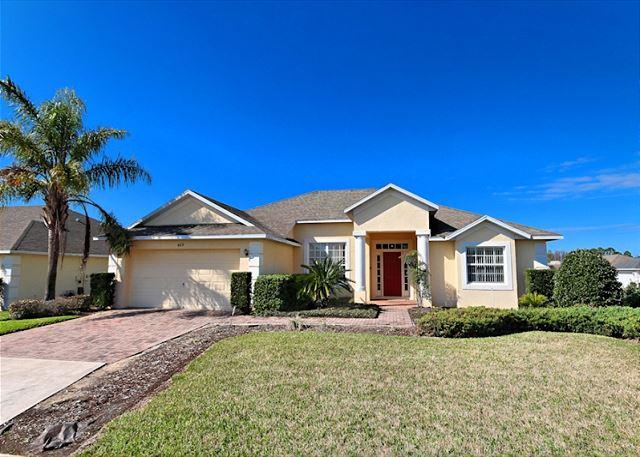 Front View - TUSCAN VIEW: 4 Bedroom Home with Complimentary WIFI and Game Room - Davenport - rentals