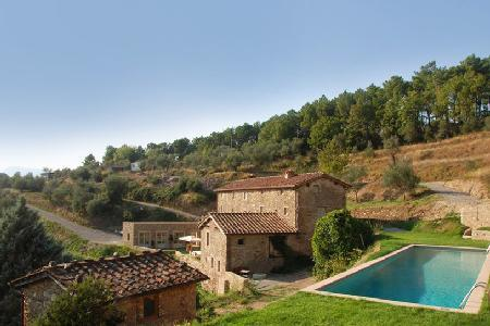 Villa Chiodo features outstanding views of the country side & alfresco dining - Image 1 - Lucca - rentals