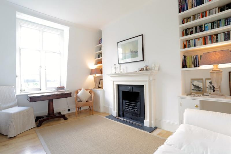 Prince of Wales,  (IVY LETTINGS). Fully managed, free wi-fi, discounts available. - Image 1 - London - rentals