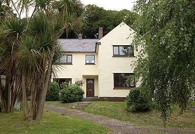 Pet Friendly Holiday Home - Puffin House Too, Dale - Image 1 - Pembrokeshire - rentals