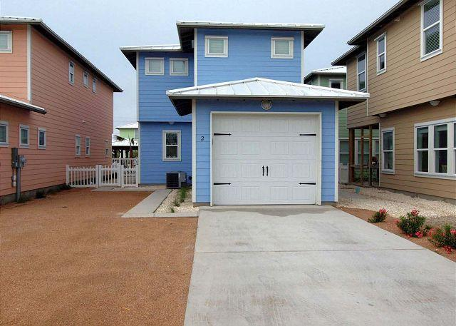 Front of home - New 4 bedroom home in fabulous Sunrise Cottages! Sleeps 12 - Port Aransas - rentals