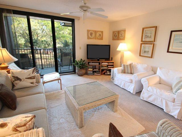 Living area 2 - Island Club, 107 - Hilton Head - rentals