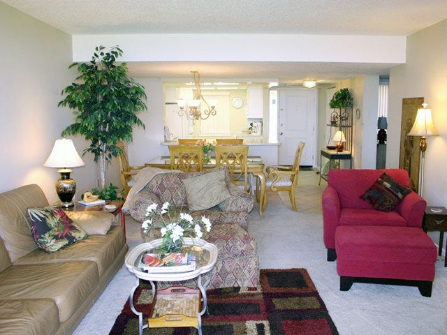 Living area 2 - Island Club, 2202 - Hilton Head - rentals
