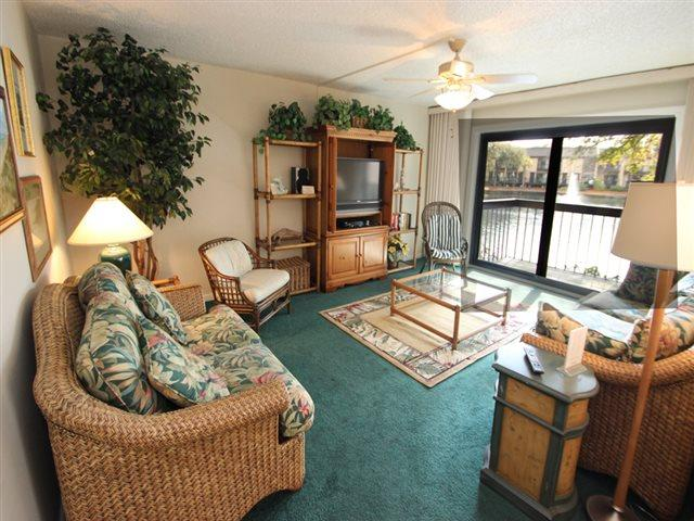 Living area - Island Club, 116 - Hilton Head - rentals