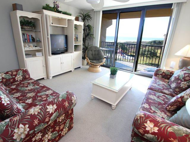 Living area - Island Club, 3401 - Hilton Head - rentals