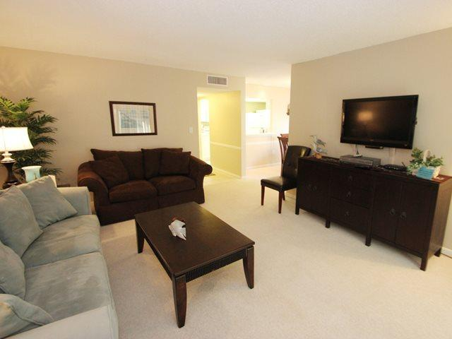 Living area - Island Club, 125 - Hilton Head - rentals