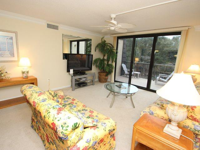 Living area 2 - Island Club, 1403 - Hilton Head - rentals