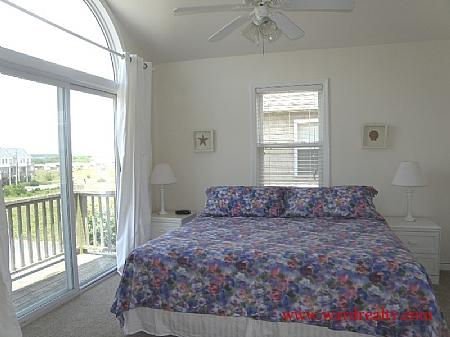 2nd Floor Streetside King Master Suite - Allure - Surf City - rentals