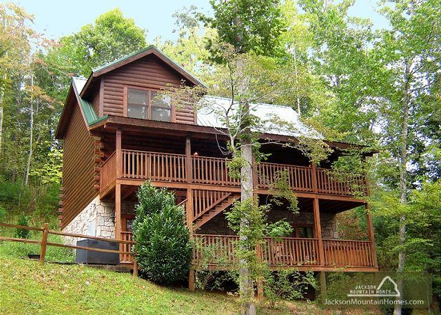 LAZY DAZE LODGE - Image 1 - Gatlinburg - rentals