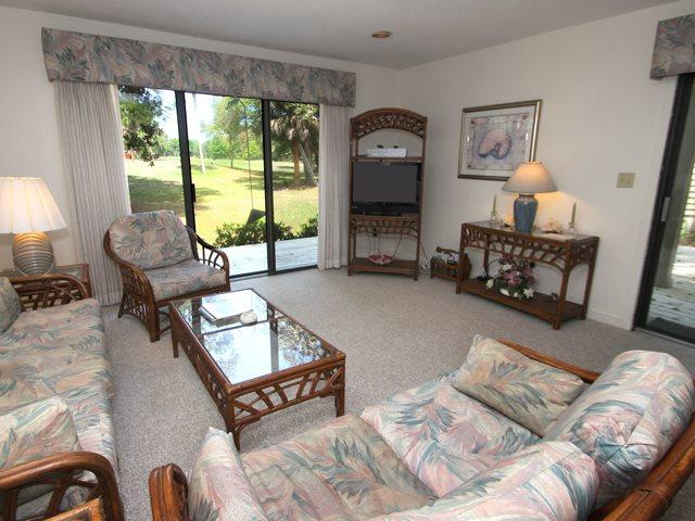 Living area - Greens, 107 - Hilton Head - rentals