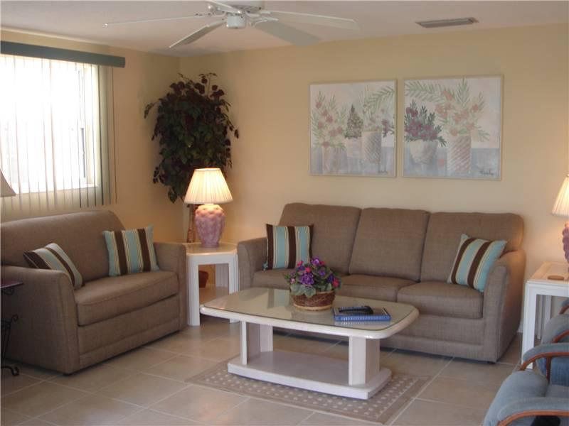Charming 2BR on the shoreline of the Gulf - Villa 27 - Image 1 - Siesta Key - rentals
