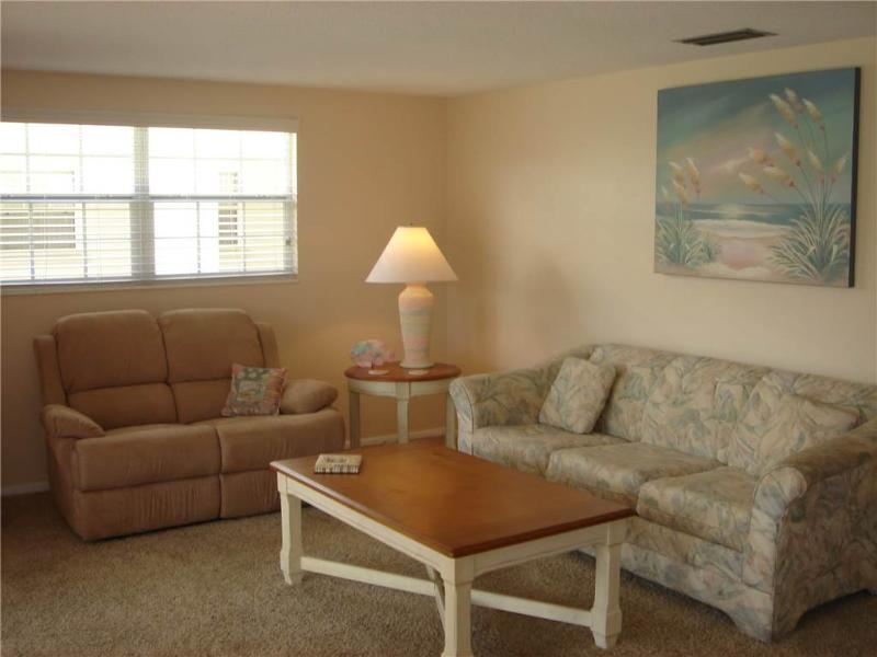 2BR located on the  widest part of Crescent beach - Villa 4 - Image 1 - Siesta Key - rentals