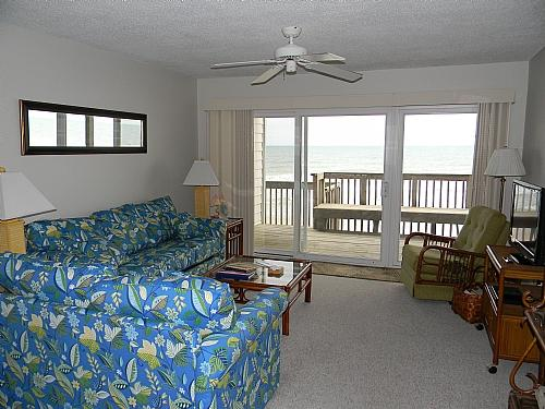 Living Room, View 01 - Queen's Grant B-106 - Topsail Beach - rentals
