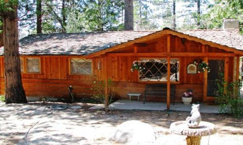 2 Bedroom,1 Bath, Sleeps 6, No Pets: Wood burning fireplace,forest setting, large deck, walk to Humber Park - Serenity - Idyllwild - rentals