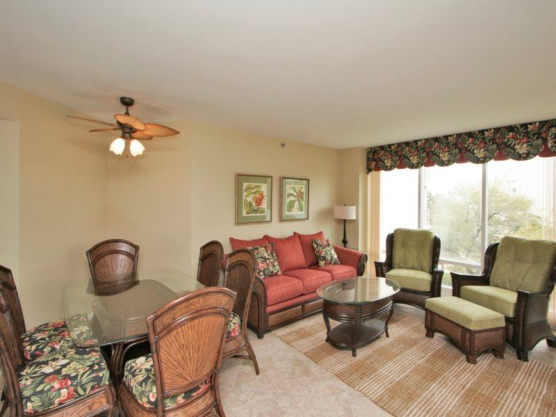 Living Room and Dining Room at 2413 Villamare - 2413 Villamare - Hilton Head - rentals