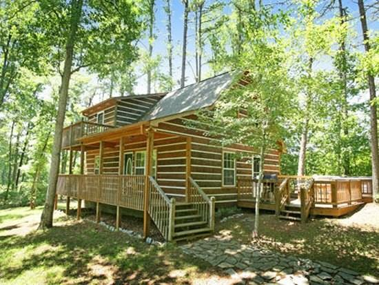 ENCHANTED WOODS*SECLUDED~TWO BDR/TWO BA~LOG CABIN WITH GAS LOG FIREPLACE~PRIVATE HOT TUB~CHARCOAL GRILL~PETS WELCOME~SLEEPS 7~ONLY $99/NIGHT! - Image 1 - Blue Ridge - rentals