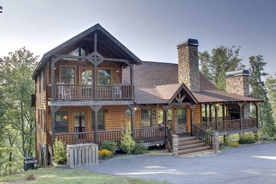 THE CREEKHOUSE*4 BR~3.5 BA~CABIN WITH BREATH TAKING MOUNTAIN VIEWS~WIFI~POOL TABLE~HOT TUB~GAS GRILL~PET FRIENDLY~GAS LOG FIRE PLACE~WALKING DISTANCE TO THE LODGE AND CAMELOT CABINS~$250/NIGHT! - Image 1 - Blue Ridge - rentals