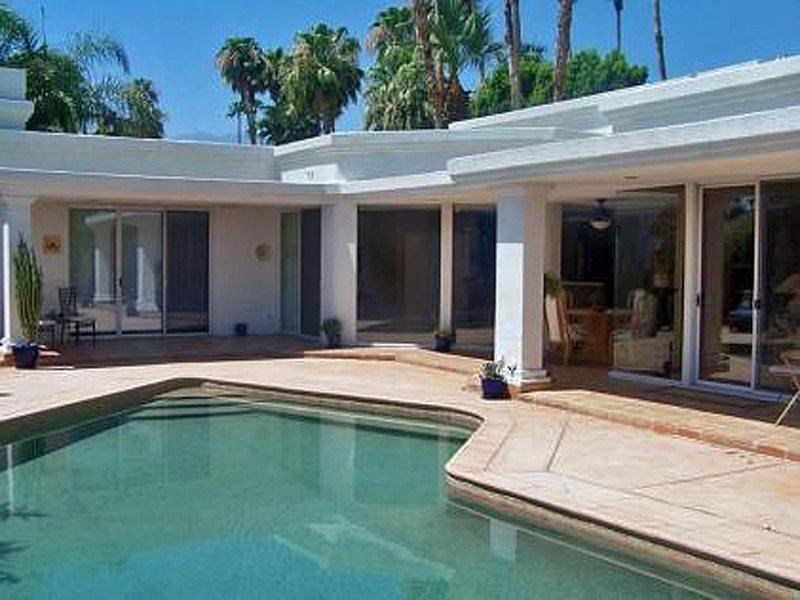 Beautiful Pool and Covered Patio   - Deepwell Jewel - Palm Springs - rentals
