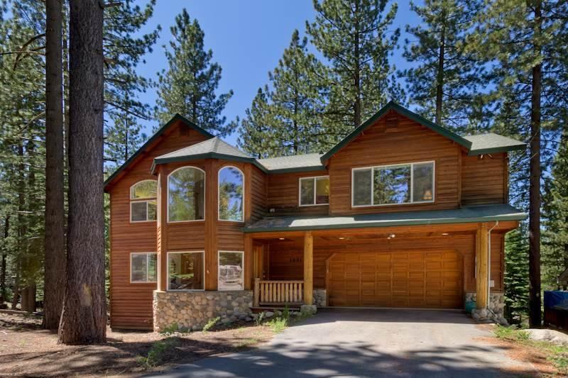 Exclusive Luxury Home with Pool Table, Hot Tub and Multiple Decks with Forest Views - Image 1 - South Lake Tahoe - rentals