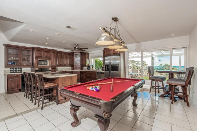 Great Room - Billiards, Kitchen & Dining All In One - Amazing Canyon Views~1 story w/gourmet kitch & spa - San Diego - rentals