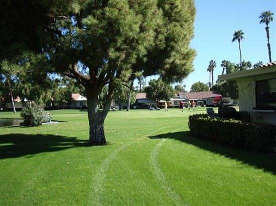 ET68 - Rancho Las Palmas Country Club - 2 BDRM, 2 BA - Image 1 - Rancho Mirage - rentals