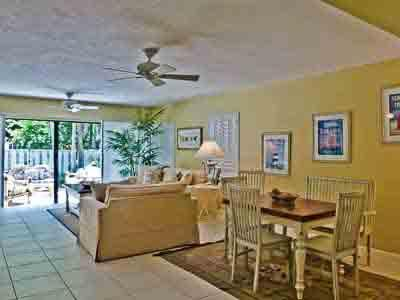 Sea Walk in Olde Naples - ON SW 341 - Image 1 - Naples - rentals