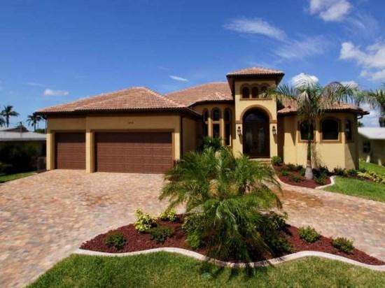 Front Elevation - Majestic by the Yacht Club - 3Be/2Ba Electric Heated Pool/Spa, Sailboat Access, Wifi HS Internet, Yacht Club Area - Fort Myers - rentals
