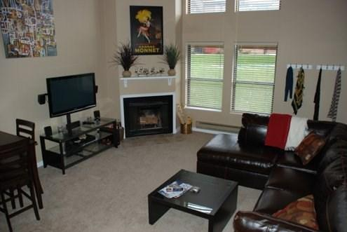 Vacation Condo Living Room - Great location and comfortable accommodations with beautiful views. - Eden - rentals