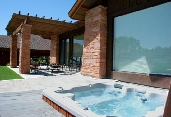 Rear View with Hot Tub - Located on the 16th Fairway of Wolf Creek Golf Course - Eden - rentals