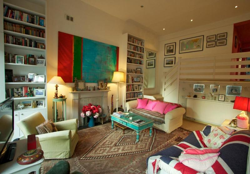 Nevern Square,(IVY LETTINGS). Fully managed, free wi-fi, discounts available. - Image 1 - London - rentals