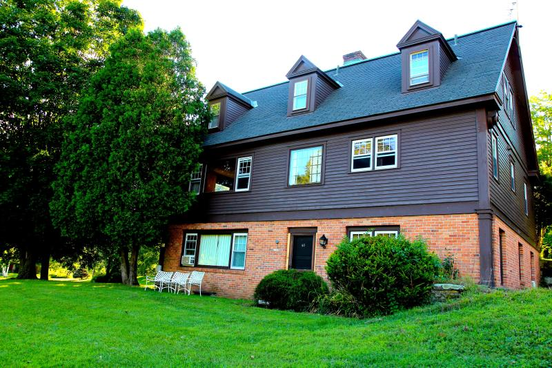 The Reunion House in Summer - Perfect Reunion house - Pool, tennis, sleeps 20! - Manchester - rentals